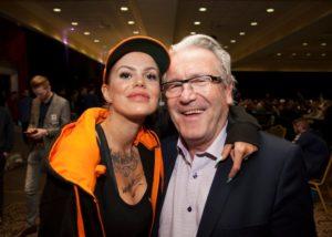 Davy Wathne med en av de største kvinnelige profilene i norsk poker, Ingrid Marie Olsen.